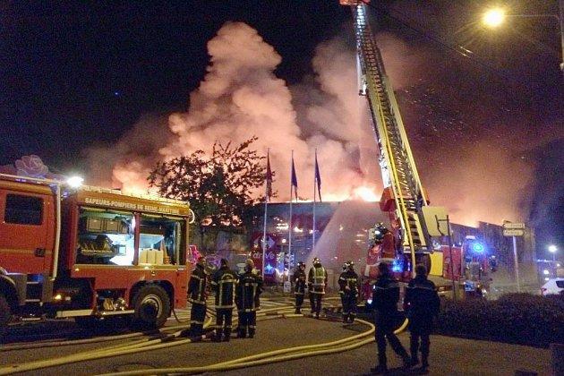 Incendie du Carrefour market à Duclair: un homme incarcéré