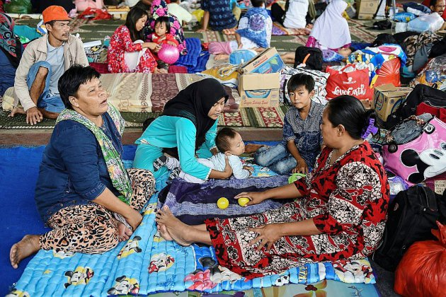 L'Indonésie relève le niveau d'alerte du volcan responsable du tsunami
