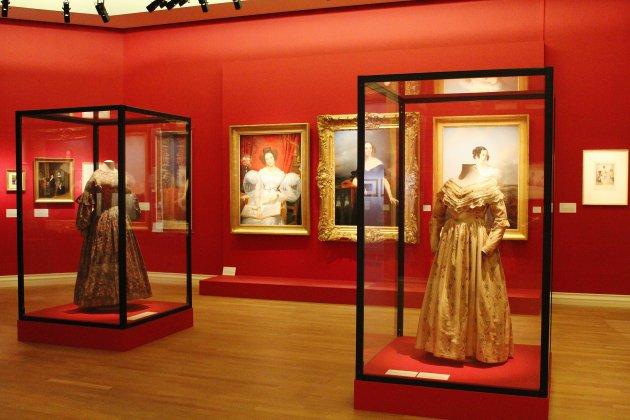 La mode des élégantes et des dandys au musée des beaux-arts de Rouen