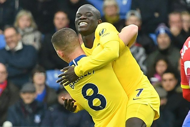 Angleterre: Kanté replace Chelsea
