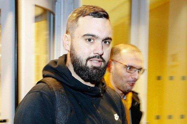 """""""Gilets jaunes"""": l'arrestation d'Éric Drouet provoque l'indignation avant """"l'acte VIII"""" du mouvement"""