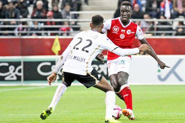 Football (Mercato) : Aly N'Dom arriveà Caen,Stef Peeters repart en Belgique