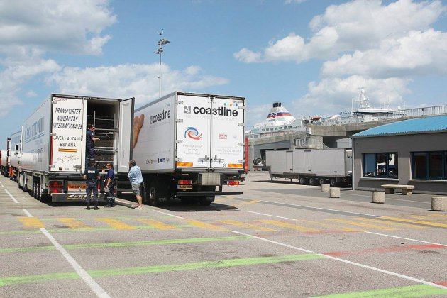 Lancement d'un plan d'action contre les traversées de la Manche — Migrants