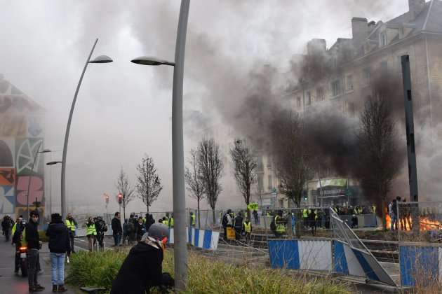 [PHOTOS] Gilets jaunes : nouvelle vague de violents affrontements à Caen