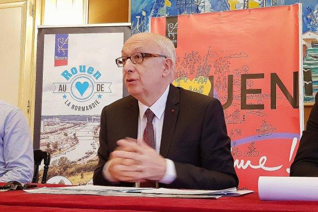 """Succession à la mairie de Rouen : Yvon Robert n'est """"pas un monarque"""""""