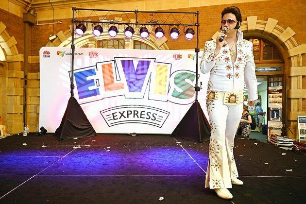 """Vive le """"King"""": ces Elvis qui redonnent vie à l'arrière-pays australien"""