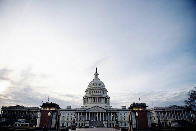 """""""Shutdown"""": le bras de fer entre Trump et les démocrates se poursuit au Sénat"""