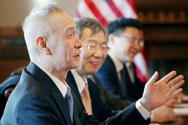 """Commerce: """"Un bon état d'esprit"""" anime négociateurs américains et Chinois, assure Trump"""