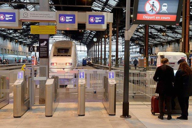 La SNCF demande aux voyageurs de reporter leurs trajets en TGV, après une panne à Montparnasse