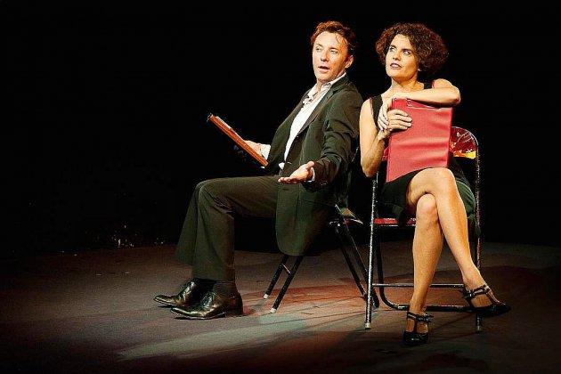 Près de Rouen, Camille et Simon fêtent leur divorce au théâtre