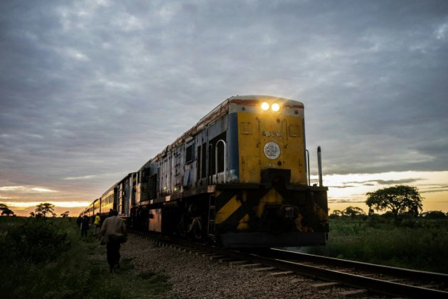 "Zimbabwe: la résurrection du ""train de la liberté"", rare ""success story"""