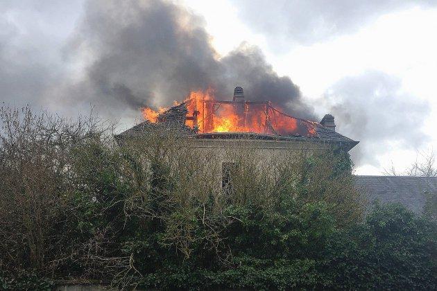 Calvados: les pompiers mobilisés sur un feu d'habitation