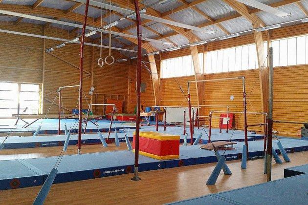 Argentan Argentan La Salle De Gym Du Complexe Jidouard Part En