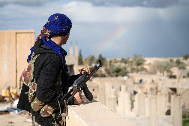 """Syrie: la fin du """"califat"""" de l'EI ralentie par la crainte pour les civils"""