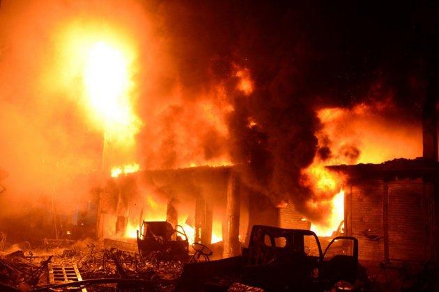 Bangladesh: un incendie fait au moins 69 morts dans la capitale