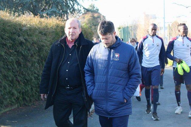 Football: Rolland Courbis présent à l'entraînement du SM Caen