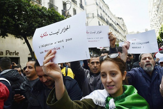 Des centaines d'étudiants rassemblés à Alger contre un 5e mandat de Bouteflika