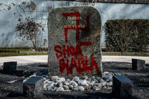 """En France, le """"combat sans fin"""" contre l'antisémitisme"""