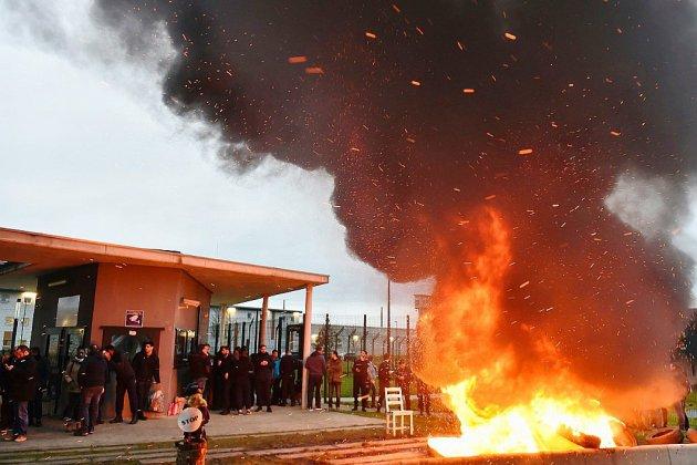 Après l'agression de deux surveillants à Alençon/Condé, large mouvement de protestation devant les prisons