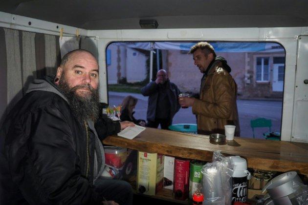 Cher : un bar ambulant pour pallier le désert des troquets dans les campagnes