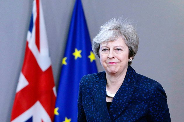 Brexit : May tente de sauver son accord avant un vote crucial mardi