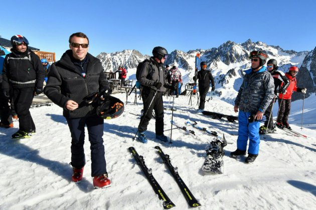 Macron écourte son week-end de ski après le saccage des Champs-Elysées