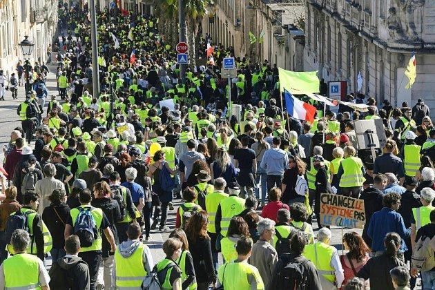 """""""Gilets jaunes"""": fiscalité et """"consentement à l'impôt"""" plantent le décor du débat entre chefs de partis"""