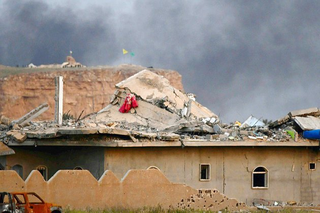 """En Syrie, les forces antijihadistes annoncent la fin du """"califat"""" de l'EI"""
