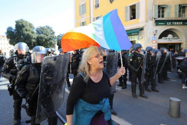 """""""Gilets jaunes"""": une enquête ouverte à Nice après la blessure d'une manifestante"""