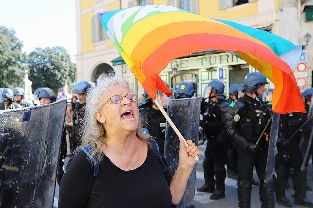 Polémique et interrogations après la blessure d'une manifestante à Nice samedi