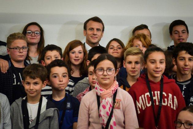 """Quand Macron explique les """"gilets jaunes"""" aux enfants"""