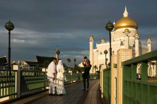 Avec la charia, le sultan de Brunei cherche à renforcer sa légitimité islamique