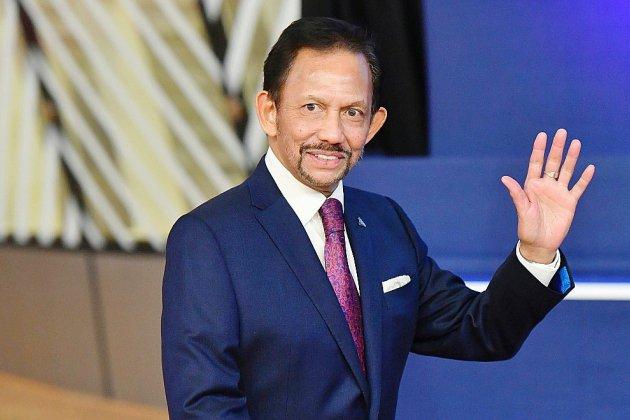 """Brunei: entrée en vigueur de la charia, le sultan appelle à """"renforcer"""" l'islam"""