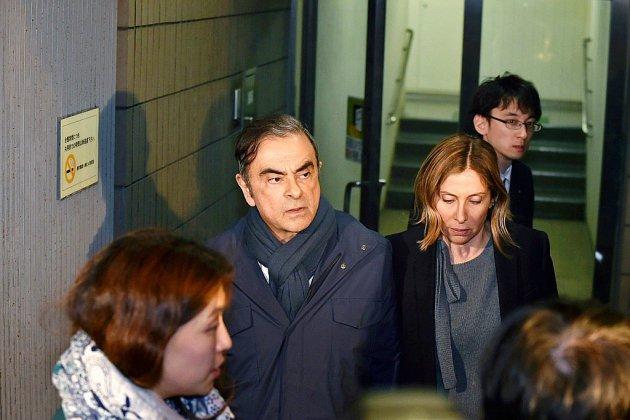 Renault fait le ménage dans ses comptes et charge Carlos Ghosn