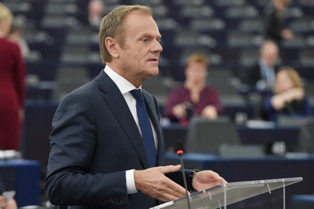 """Brexit: Tusk suggère un report """"flexible"""" allant jusqu'à 12 mois"""