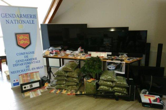 Seine-Maritime : un trafic de drogues démantelé, des armes saisies