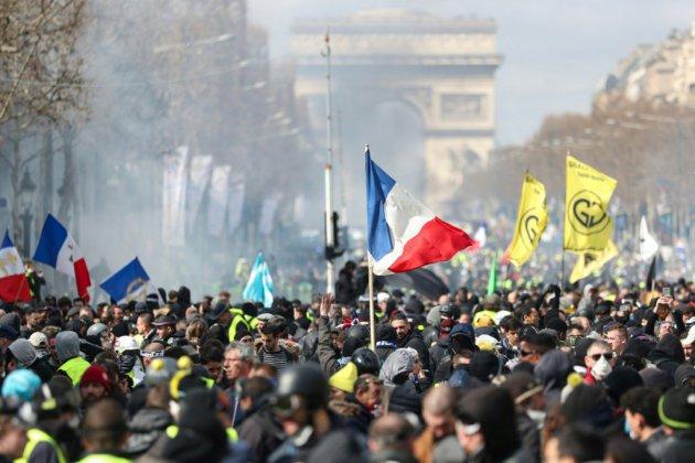 """Les """"gilets jaunes"""" de nouveau dans la rue pour leur 21e samedi de mobilisation"""