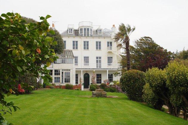 Hors Normandie. [Photos] A Guernesey, la maison de Victor Hugo a rouvert ses portes