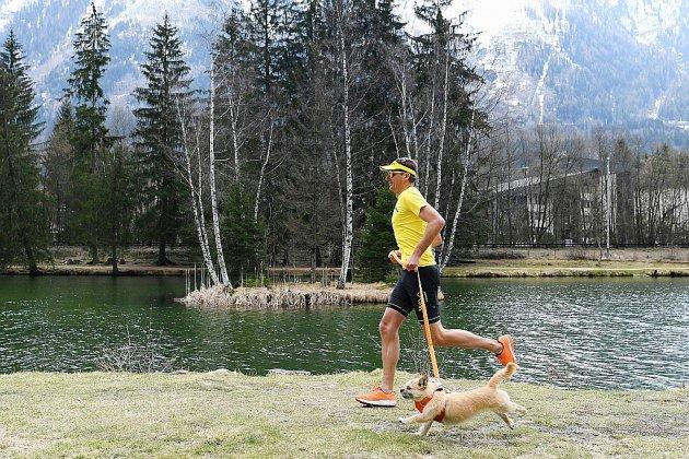 Le fabuleux destin de Dion et Gobi, le coureur et sa chienne devenus stars