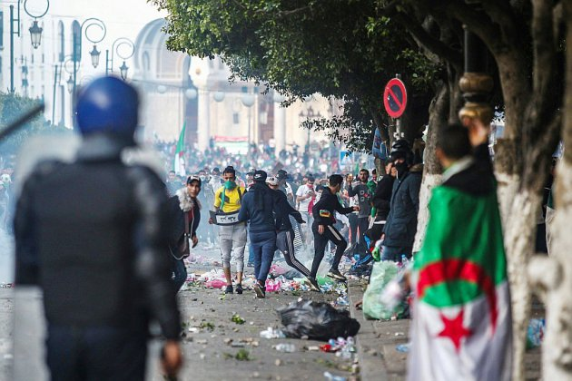 A Alger, la société civile s'inquiète d'un raidissement de la police