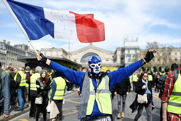 """Après Notre-Dame, les """"gilets jaunes"""" de retour à Paris pour un nouvel """"ultimatum"""""""