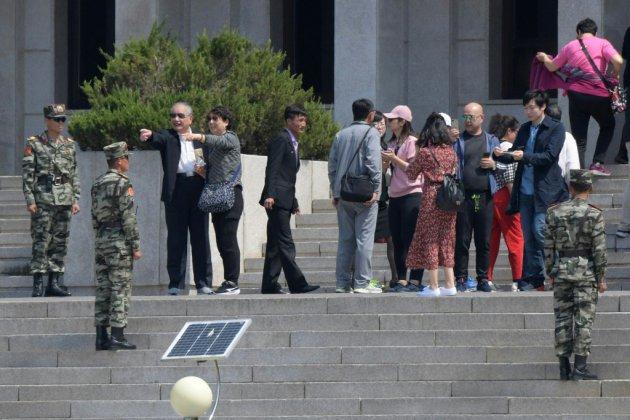 Deux Corées: des touristes de nouveau en visite dans le village de la trêve