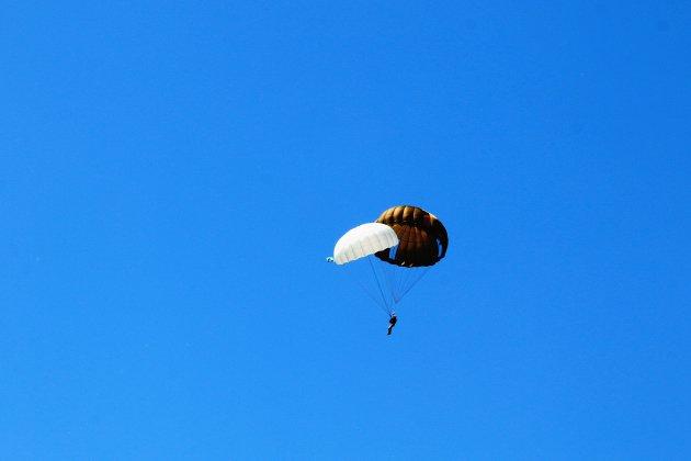 Un parachutiste retrouvé mort près de Dieppe
