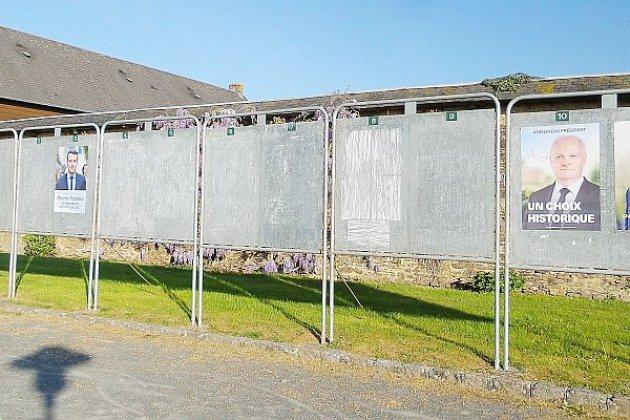 Merville-Franceville: le Maire réfute les panneaux électoraux