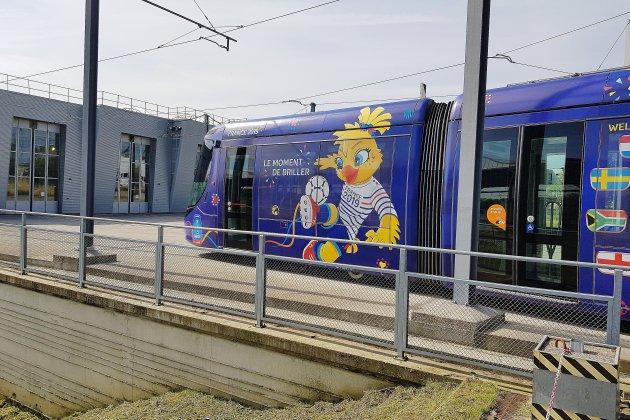 Le tramway aux couleurs de la Coupe du Monde