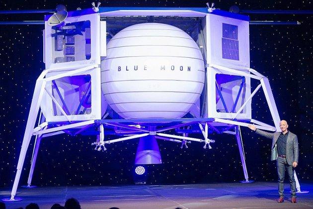 Jeff Bezos, le patron d'Amazon, vise la Lune