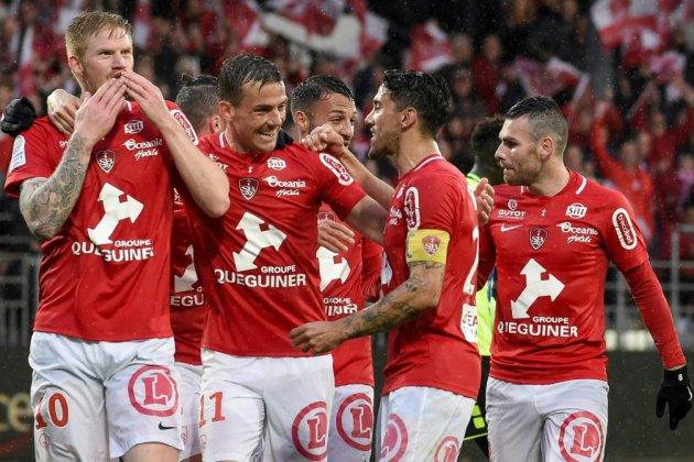 L2: Brest retrouve la Ligue 1, après l'avoir quittée en 2013