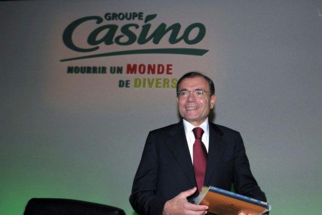 Attaquée en Bourse, la maison mère de Casino va renégocier sa dette