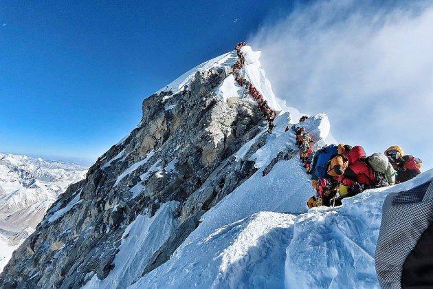 Trois nouveaux morts sur l'Everest embouteillé, sept cette saison