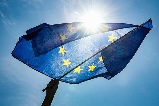 Les Européens aux urnes dans 21 pays, nouvelle poussée attendue des eurosceptiques